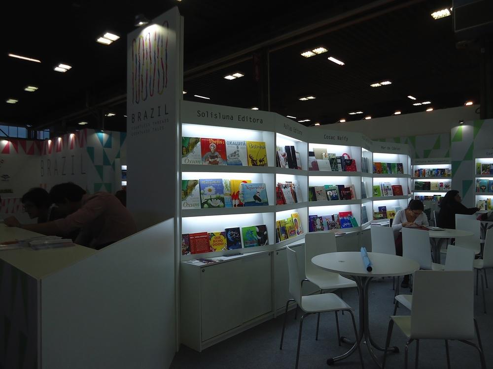 Solisluna Editora presente no estande do Brasil na 51ª Feira do Livro Infantil de Bolonha.