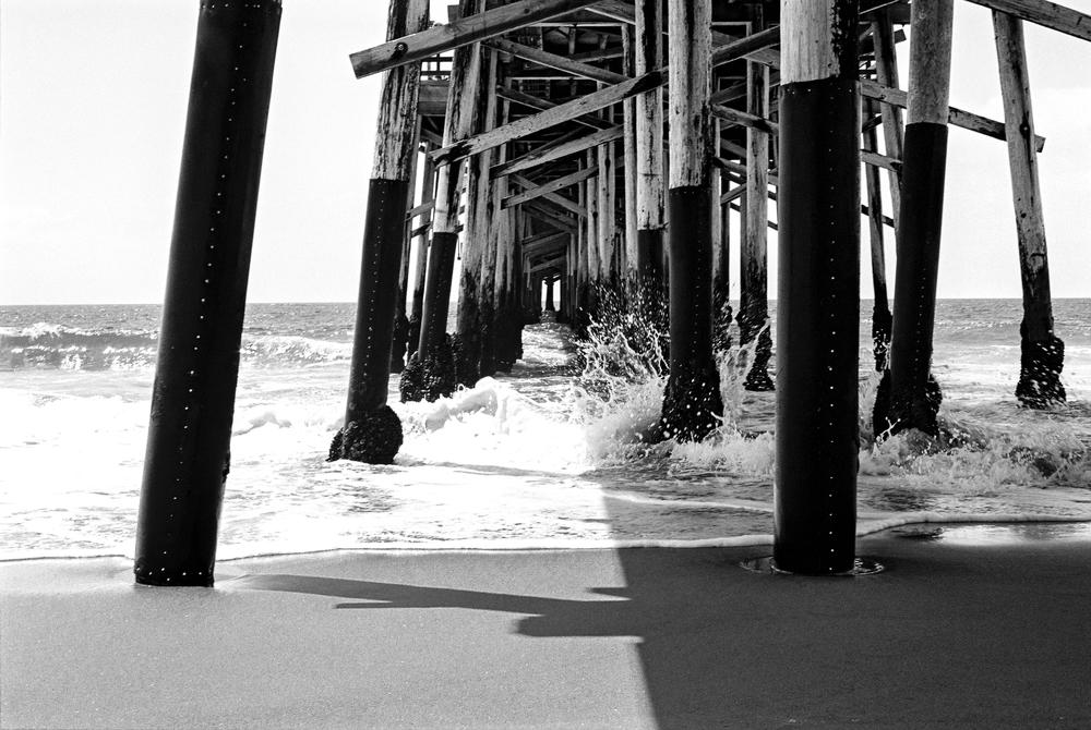 B&W pier 4.jpg