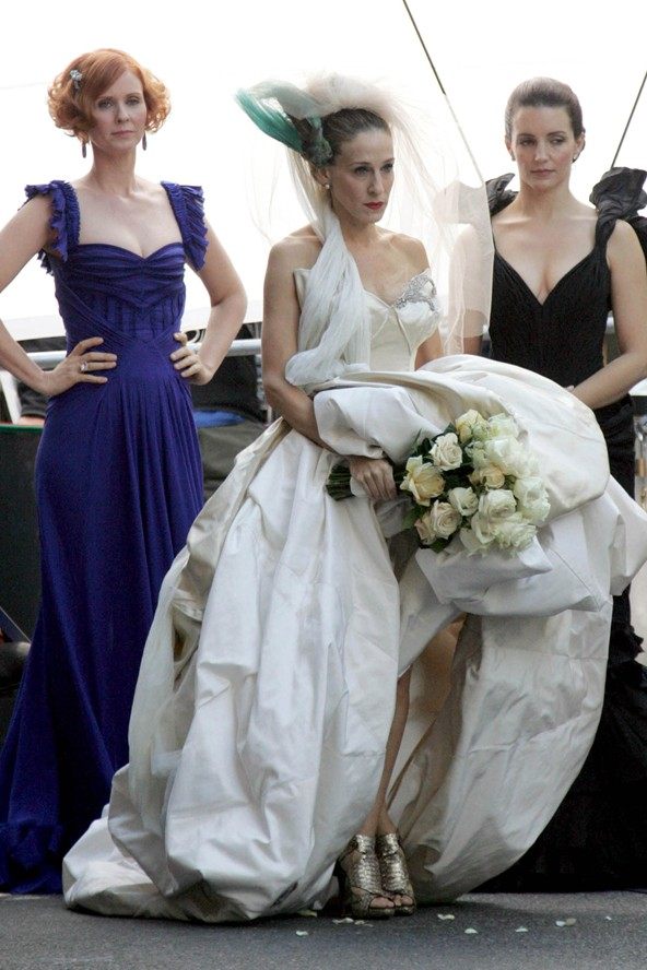 IconicWeddingDresses35_V_11apr11_pa_b_592x888.jpg