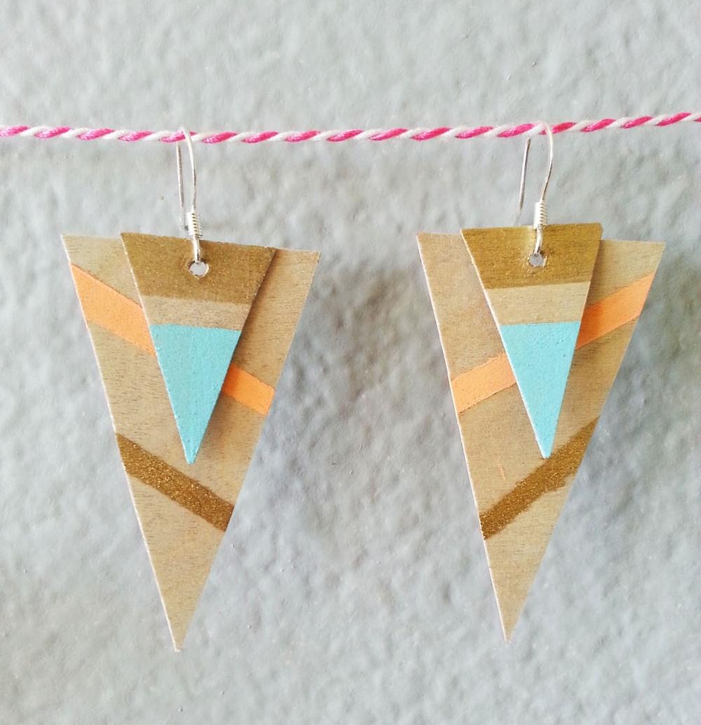 DIY geometric wood earrings via www.acharmingproject.com