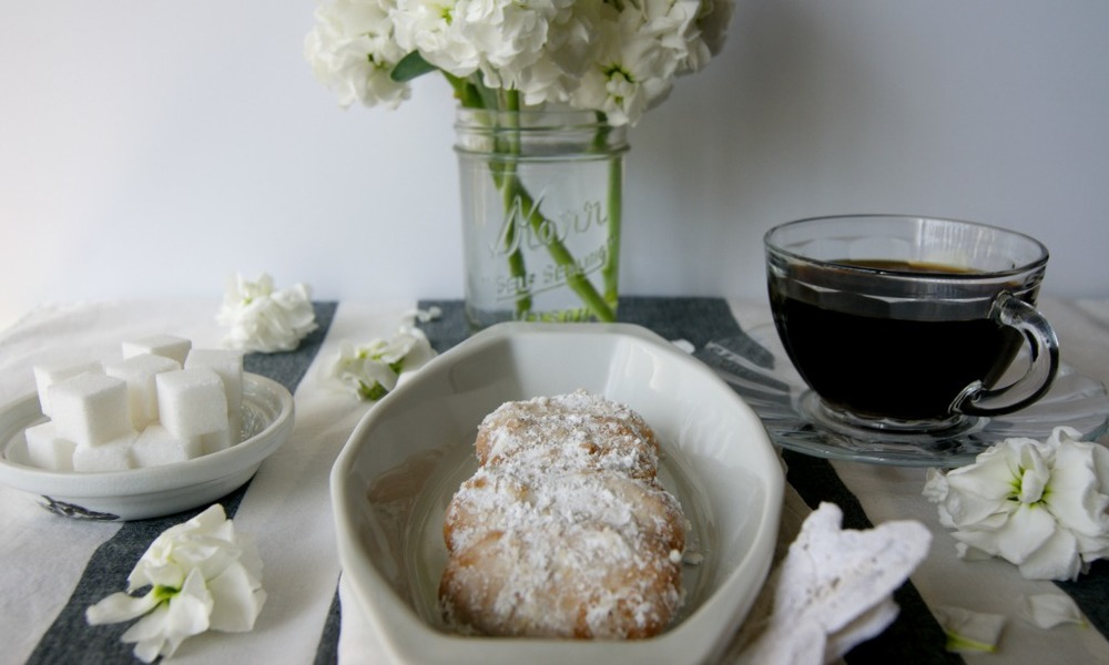 Afternoon Collection:  Rum and Almond Cookies via www.acharmingproject.com