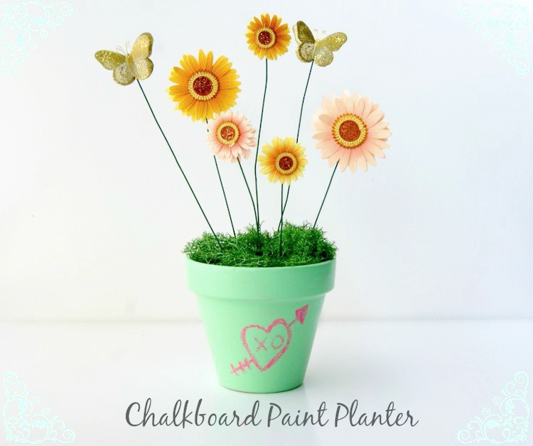 chalk paint planter centerpiece via www.acharmingproject.com