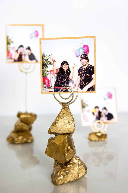 1golden nugget photo holder via www.acharmingproject.com