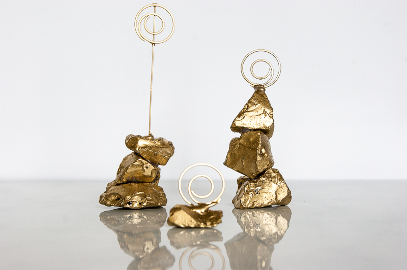 2Golden Nugget Photo Holder via www.acharmingproject.com