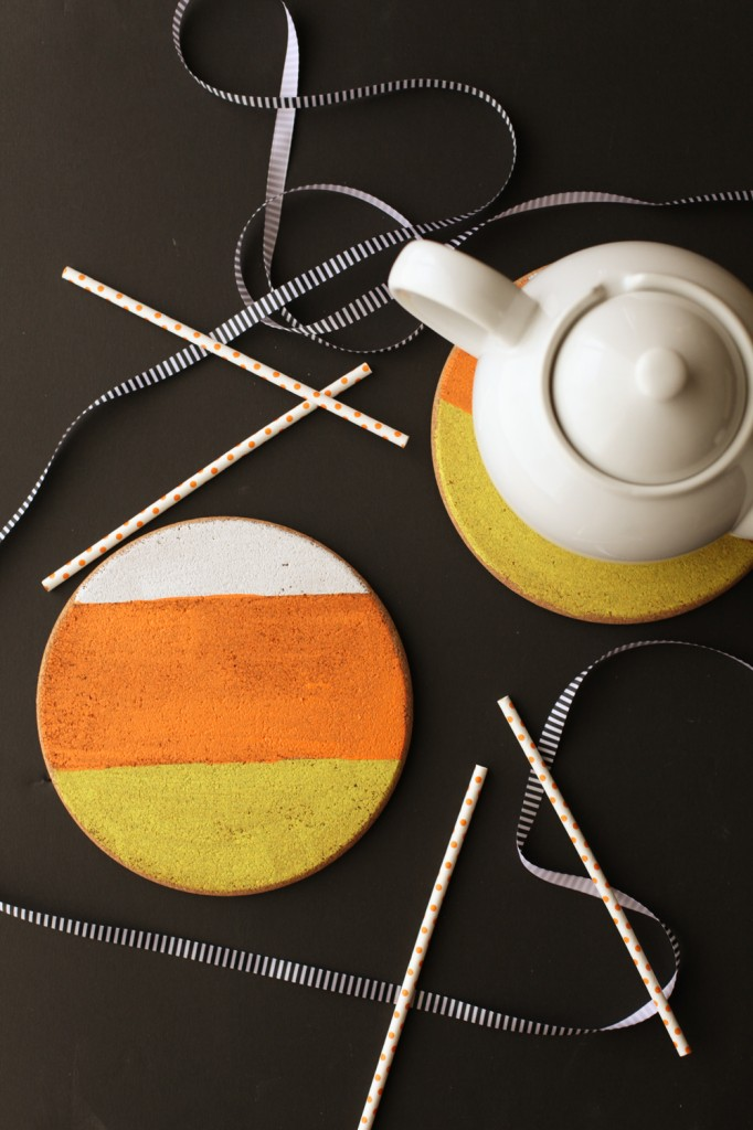 This is a fun and easy way to bring some Halloween colors into your home. Let's all go Trivet crazy thanks to  Alyssa & Carla!
