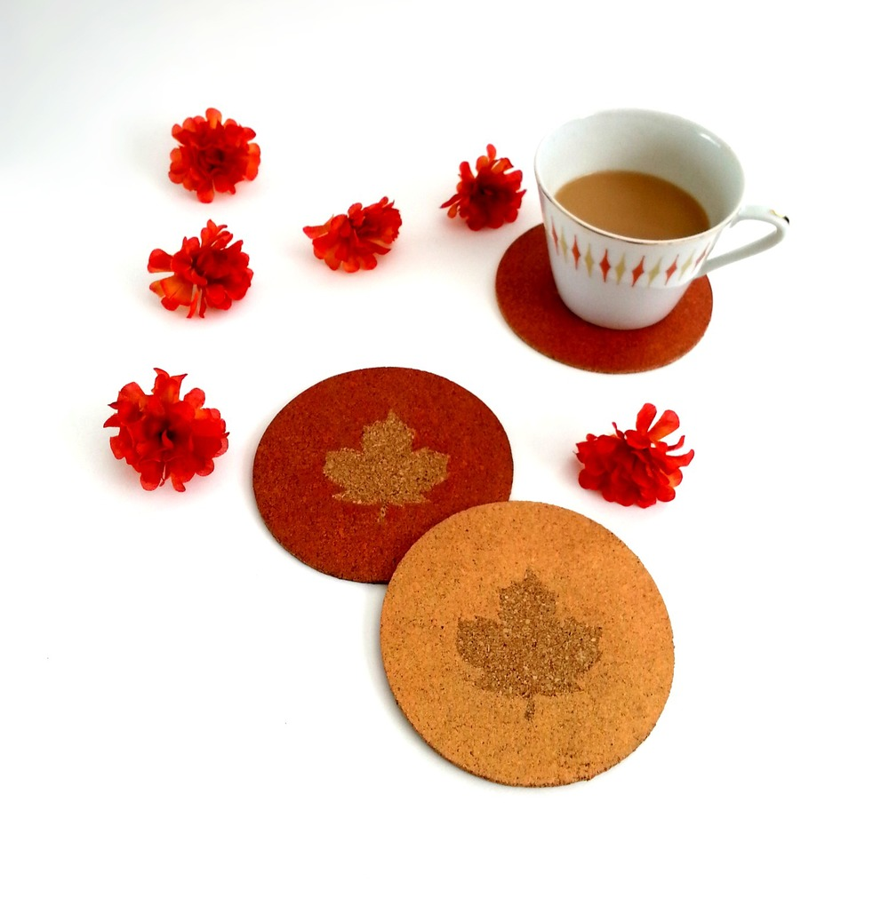 Maple Leaf Coaster - via www.acharmingproject.com