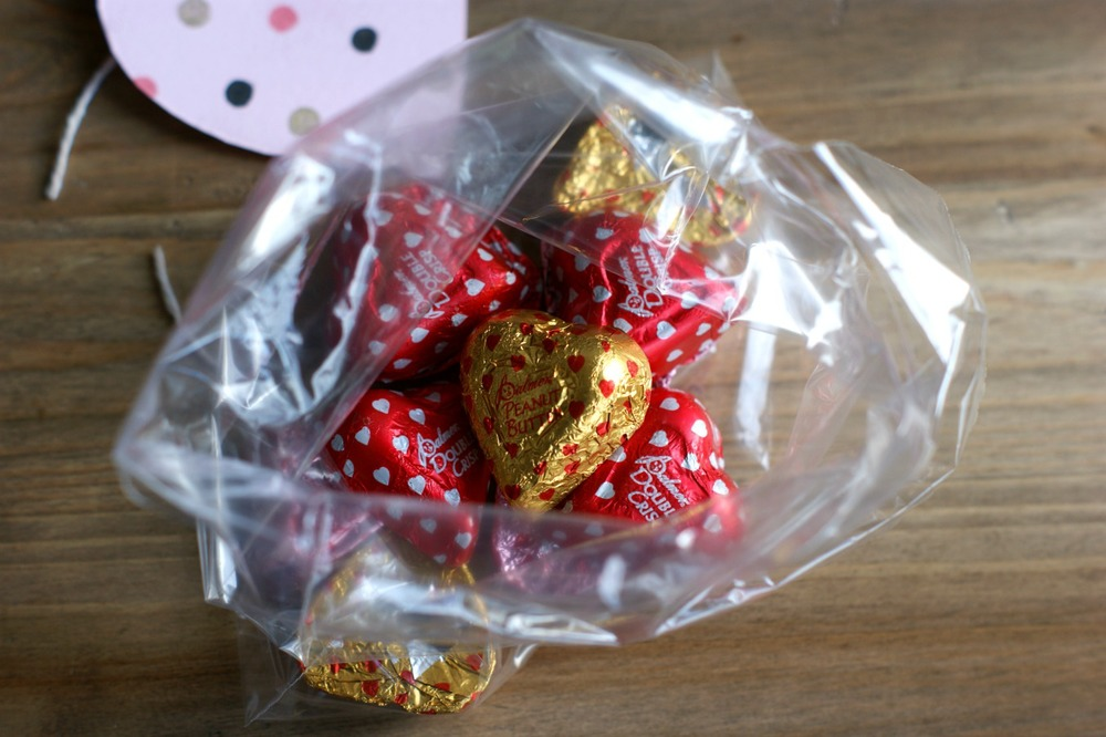 Crazy Easy Last Second DIY Valentine's Day Tag and Treat bag filled with chocolates