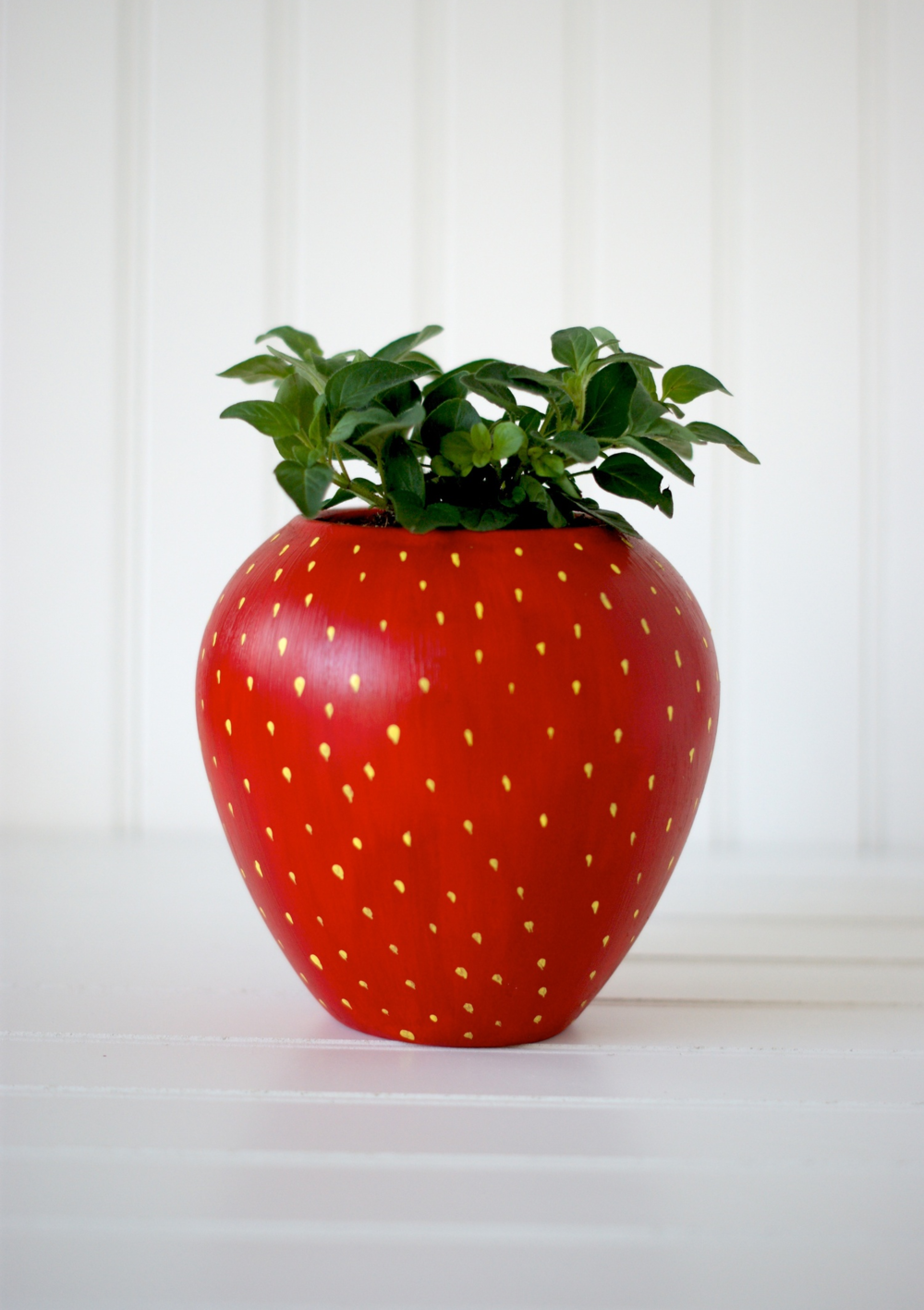 DIY Painted Strawberry Herb Planter for your kitchen