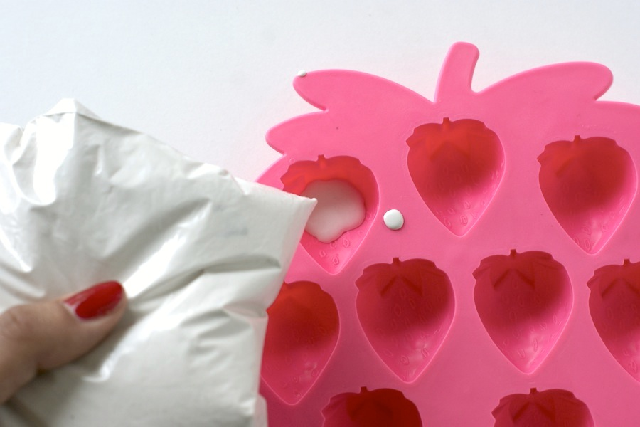 DIY Strawberry Magnets - strawberry silicone mold