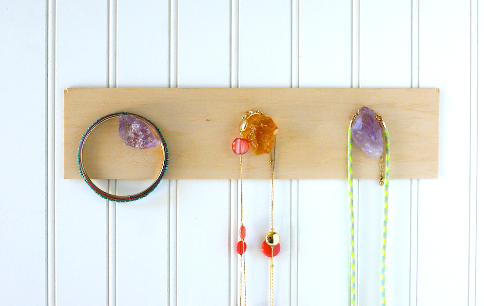 DIY Rock Mineral Necklace Holder