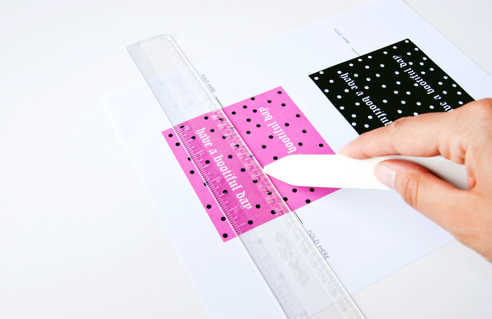 Free Printable Candy Bag  Topper - step one - scoring
