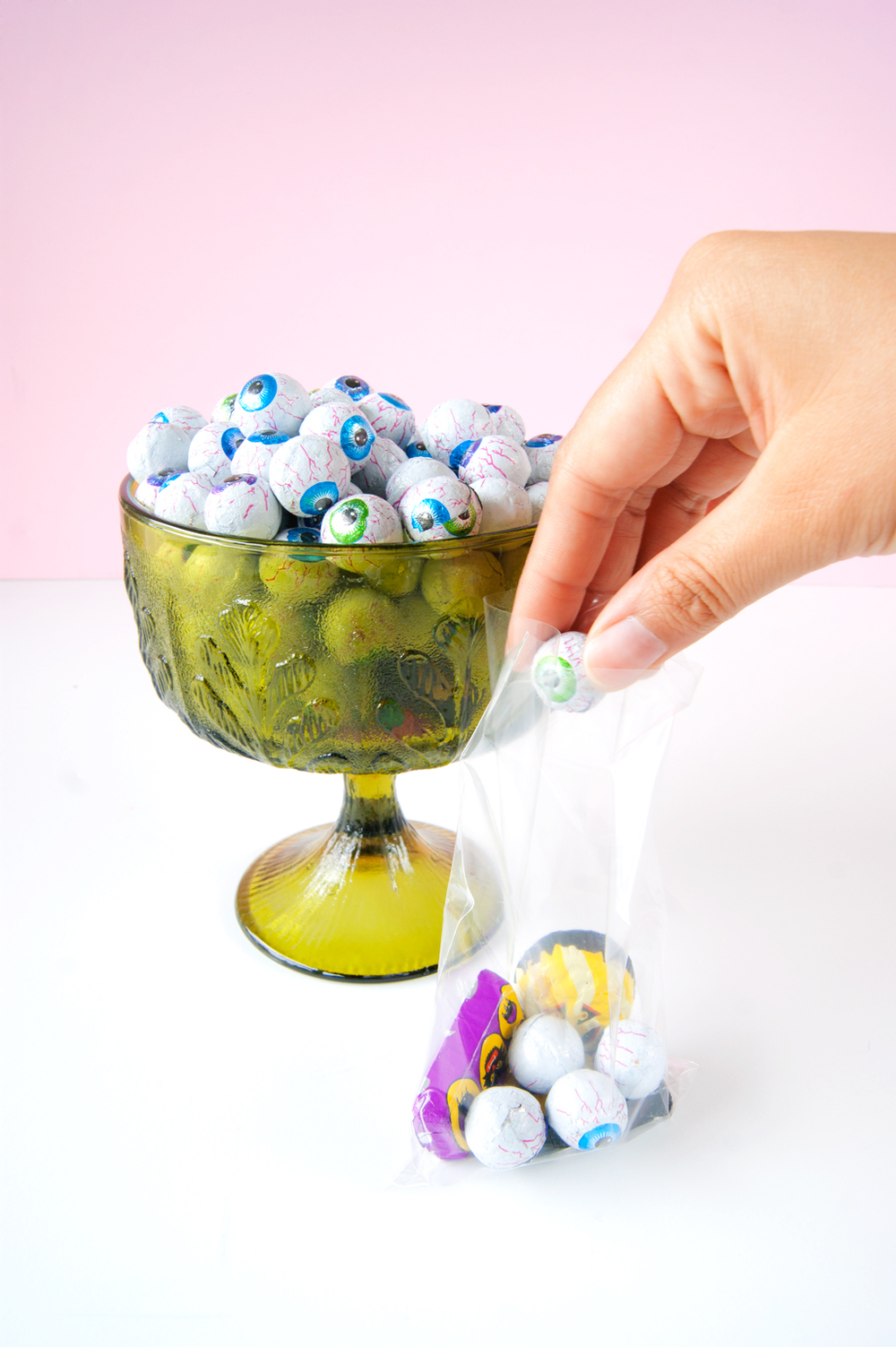 Free Printable DIY Halloween Candy Bag Toppers