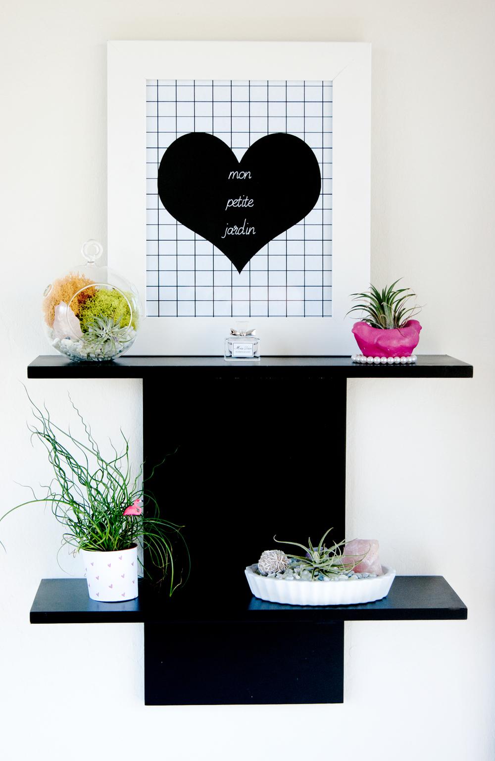 Mini indoor garden plant shelf - free wall art printable