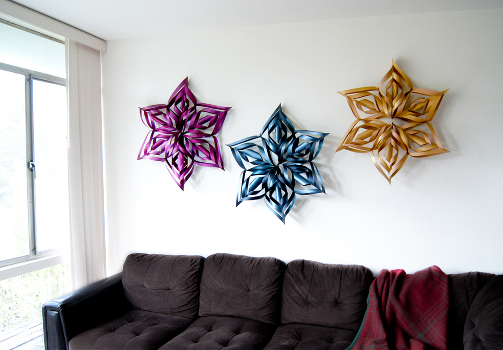 DIY Turtorial: Make your own ginormous snowflake decorations for the Holidays