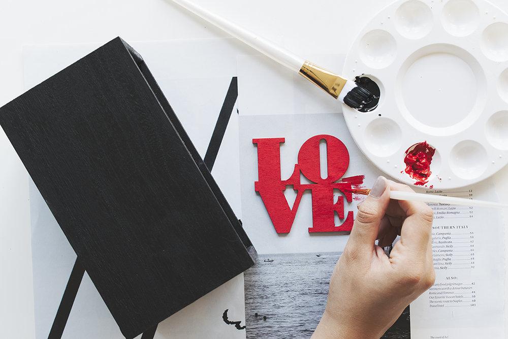 Love Planter via A Charming Project  Paint A Planter