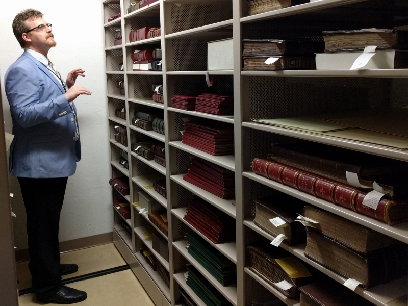 Alan, just casually browsing the shelves of Folios. I know several of them are out on tour, but that's STILL A LOT OF FOLIOS.