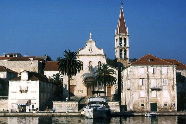 030-croatia-milna-otok-brac-venitian-church.jpg