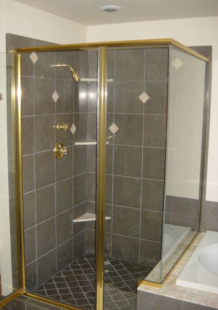 FELDMON SHOWER FINSH 819.jpg