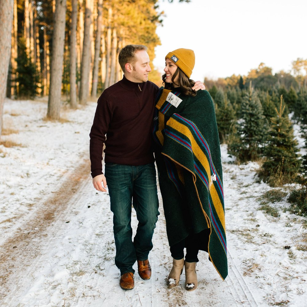 NORA + ERNIE // HANSEN TREE FARM ENGAGEMENT