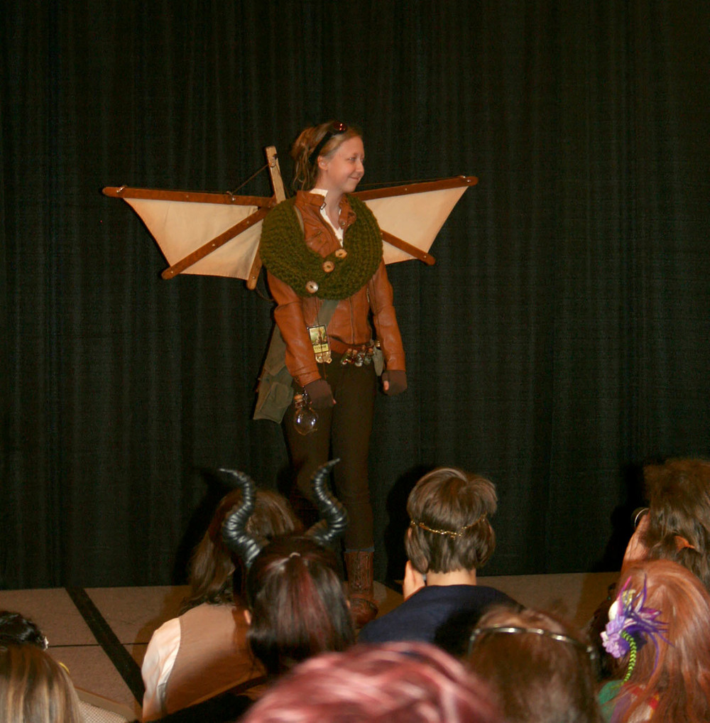 The Vendors fashion show.....Eliza, from my next Circle the Sun book--Autumn's Hearth, made an appearance at the show!  She was Awesome!