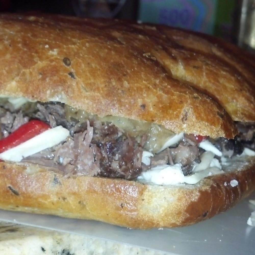 Italian beef sandwich.jpg