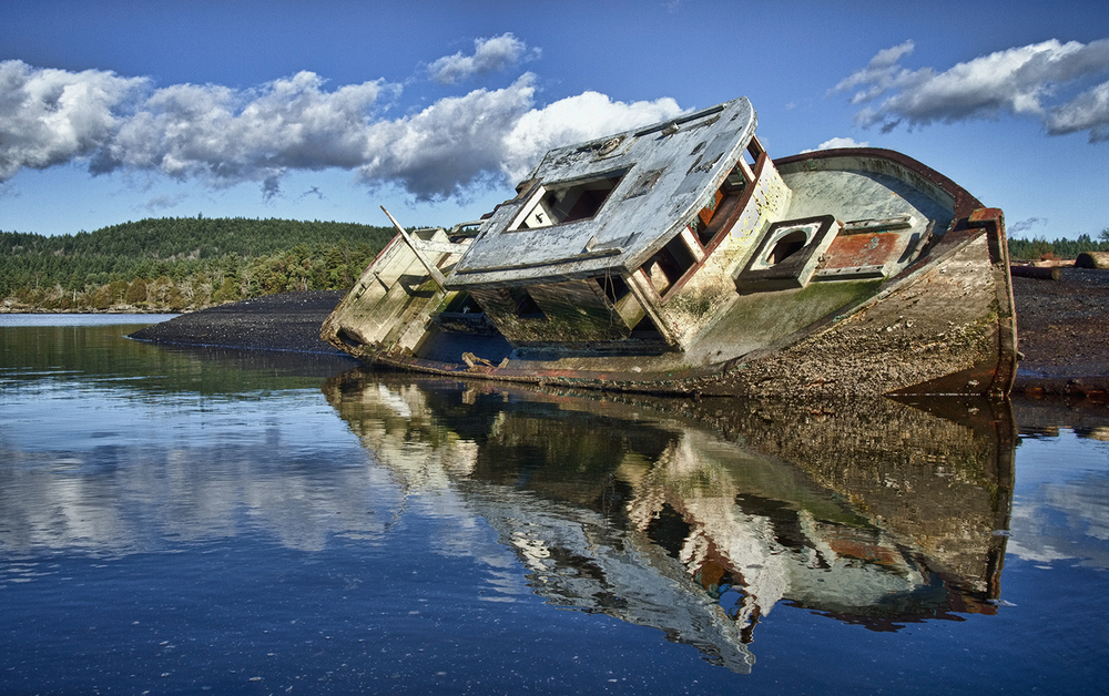 Old Boat In Ladysmith.jpg