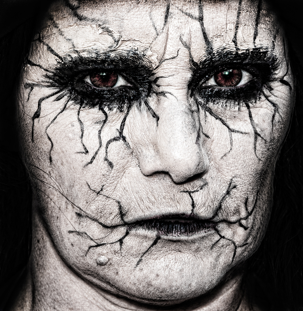 Victoria Zombie 2013-7156.jpg