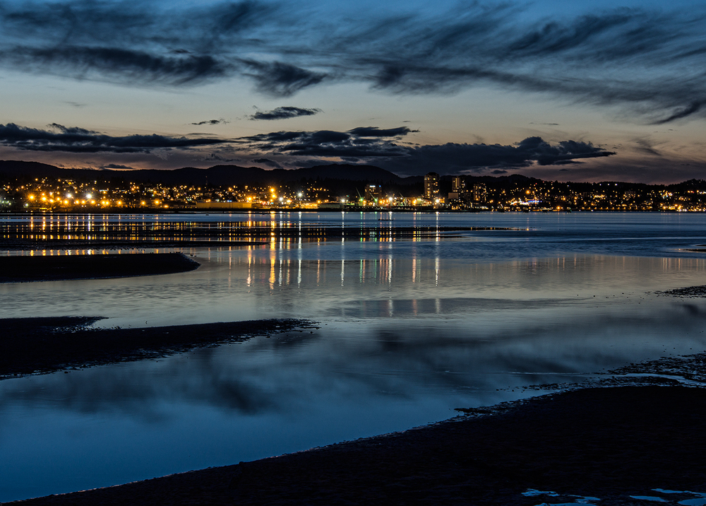 An evening view of Nanaimo from Jack Point Park