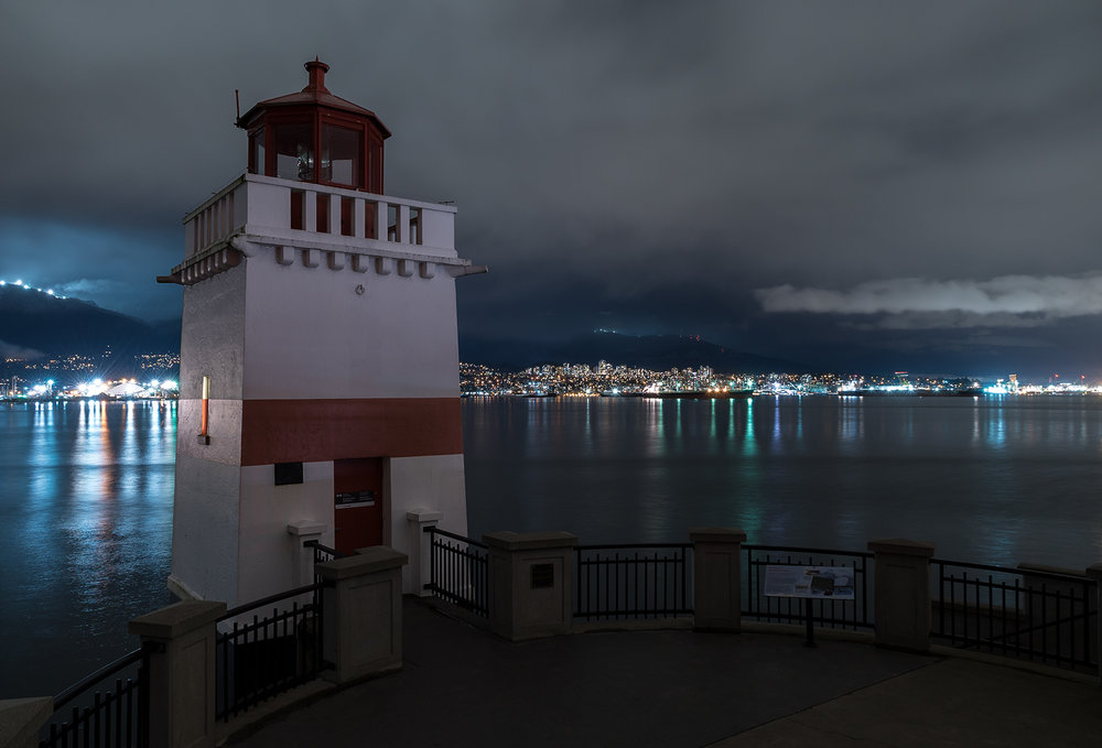 Stanley Park Seawall Lighthouse.jpg