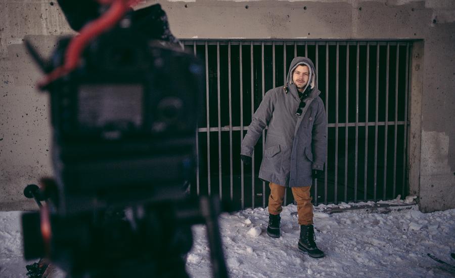 """p: ronnyphotography WILLIAM GIGNAC 6600 St-Urbain, Suite 301 Montréal, H2S 3G8, Canada 514.258.2002 w@willgignac.com willgignac.com  RÉALISATION J'ai connu mes débuts en réalisation de sport et plus précisement, le """"freeski"""". Mon billet fut un poste en tant que réalisateur vidéo web pour O'neill. O'NEILL SNOW J'ai ensuite eu la chance de suivre l'athlète médaillé d'or olympique David Wise durant la saison d'hivers 2012-13. J'ai documenté sa vie quotidienne, ses entrainements et les enjeux du sport extreme du freeski de demi lune (halfpipe). J'ai été réalisateur du projet de 12 épisodes. J'ai voyagé dans deux continents.  SKI: DAVID WISE Ayant gardé un pied à terre à Montréal, j'ai développé un réseau de contacts importants ainsi que des relations de confiance avec des clients tels que Chlorophyle, O'neill, Arkel, Oakley et Orage pour en nomer quelques uns. DIVERS """"MAKING OF""""  DIRECTION PHOTO ET MONTAGE VIDÉO - Caméraman avec plus de trois ans d'expériences pour de la web diffusion ou télé en direct surtout pour des productions   commeles évènements de sports, spectacles et concerts. - Direction photo pour plusieurs vidéo clips. - Assistant caméra à plusieurs reprises pour divers projets. - Maniabilité de caméra Dslr, Sony nex fs-700, Red Scarlet, Epic, Sony f3. - Montage vidéo sur diverses plate-formes telles que Final cut pro et Adobe Première.  PIGE POUR AGENCES ou ORGANISATONS - KBS+, réalisateurs de """"making of"""" à l'interne pour divers clients. - PARCEQUE FILMS, caméraman pour web diffusions. - LE GRAND DÉFI PIERRE LAVOIE, caméraman pour web diffusions. - 24H MONT TREMBLANT, caméraman pour web diffusions. - QUATREZEROUN, réalisateur de """"making of"""" à l'interne pour divers clients. - VIBRANT, réalisateur, caméraman de projets web. - ADUQ, l'Association du Design Urbain du Quebec, réalisateur de projets web. -JIMMY LEE, réalisateur de """"making of"""" d'évenement de dviers clients. -NEWAD, réalisation et caméraman.  RÉFÉRENCES SUR DEMANDE"""