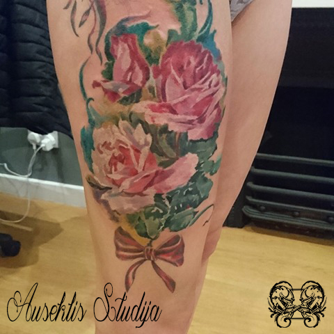 Evo colour roses thigh.jpg