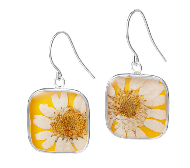 birth month sun dried floral earrings uncommon goods.png