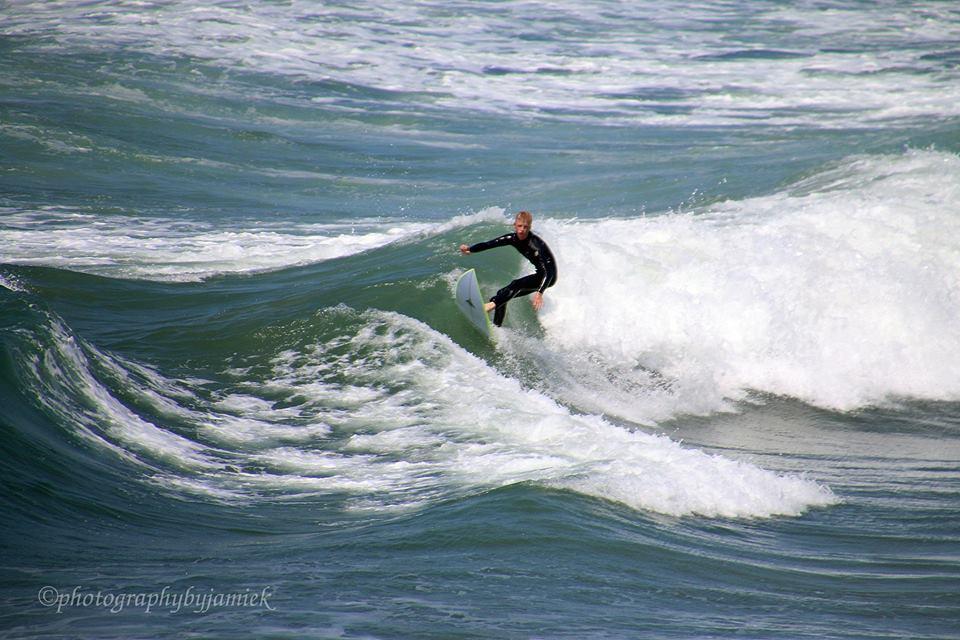 surfer 8.jpg