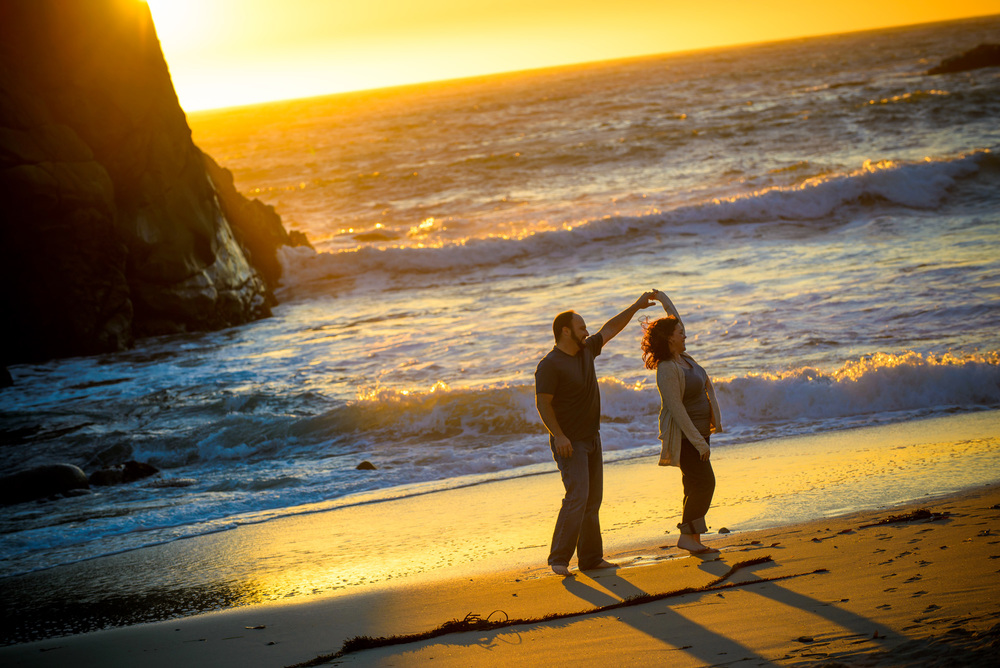 6269_d800b_Liz_and_Scott_Pfeiffer_Beach_Big_Sur_Engagement_Photography.jpg