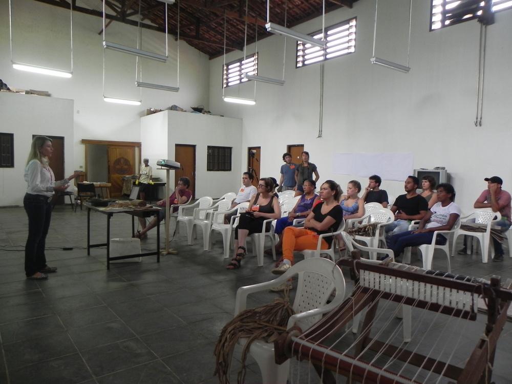 Presentation by Professor PhD Lara Leite Barbosa, Photo Mirian Vaccari