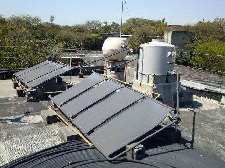 The low cost solar heater system (LCSH) (photo: Artur V. Cordeiro).