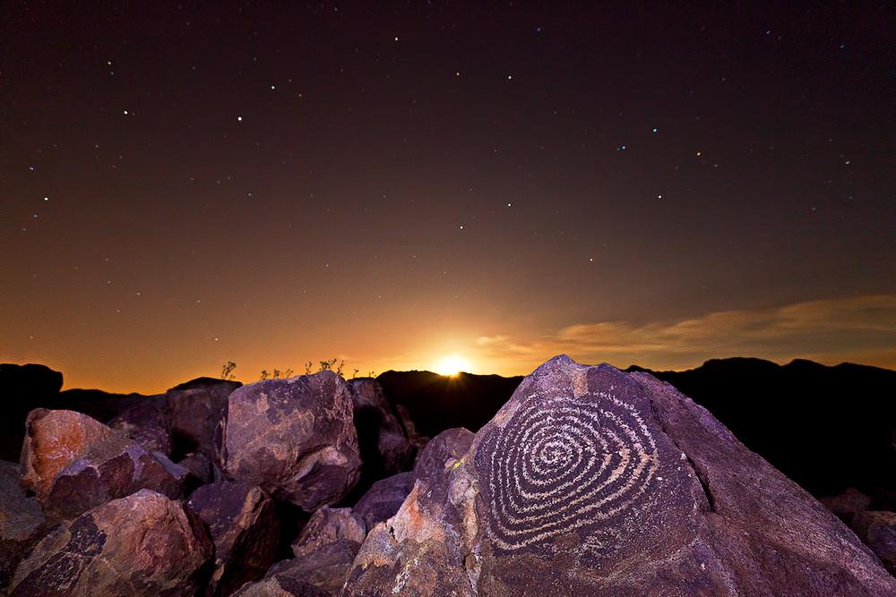 signal hill moonrise denoised.jpg