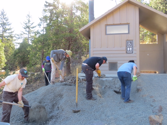National Public Lands Day 2015 volunteer work crew.  K Lloyd photo