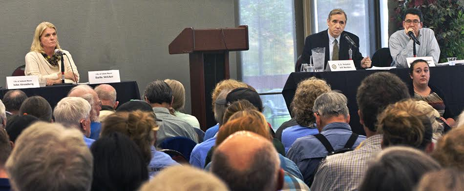 Sen. Jeff Merkley (2nd r) and Mike Connor (r), Deputy Secretary of Interior at Public hearing, SOU Campus, Ashland, OR