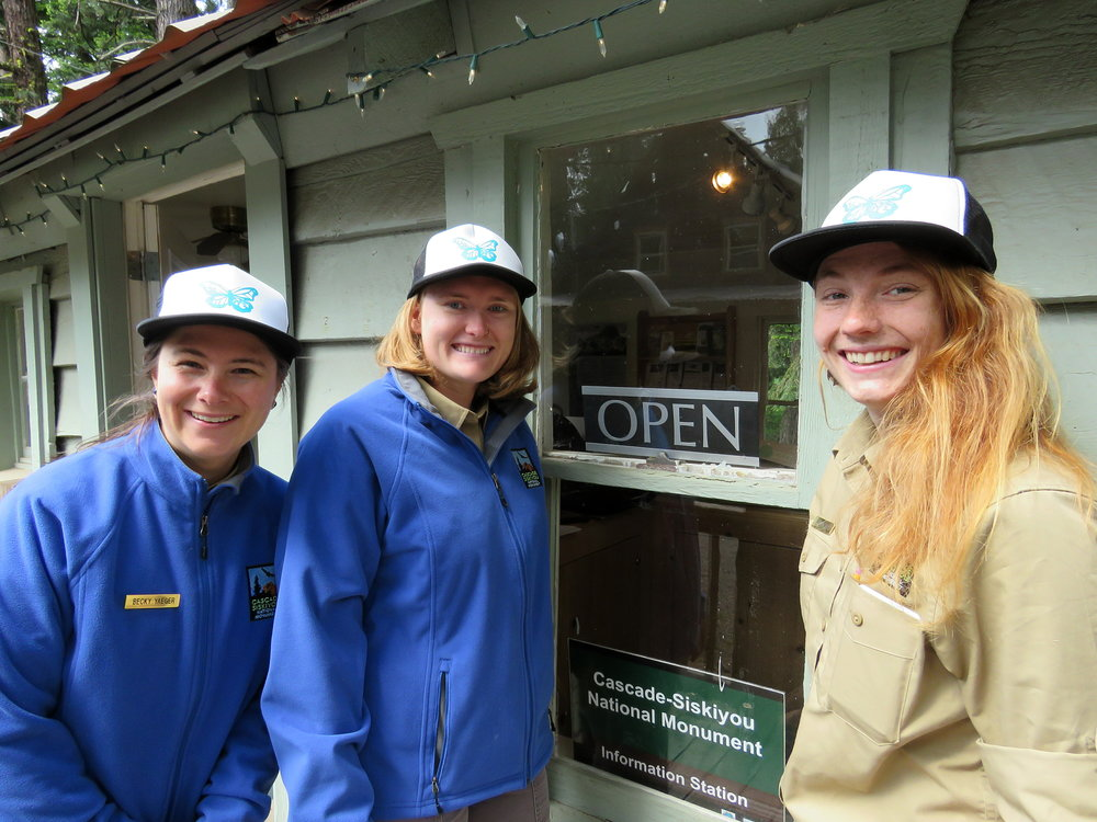 Interpretive rangers (L - R) Elizabeth Schyling, Morgyn Ellis and Becky Yaeger at the information contact station.