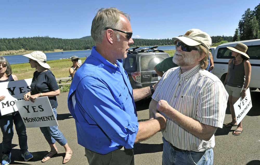 Dave Willis (r) and Ryan Zinke    Cascade-Siskiyou on Zinke downsizing list    By Mark Freeman.    Mail Tribune ,  August 24, 2017   Mail Tribune  - Jamie Lusch photo