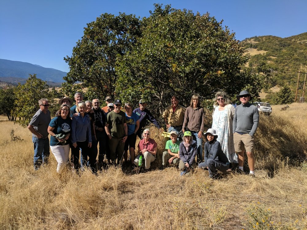 Group photo at Applegate Trail marker near Tyler Creek Road