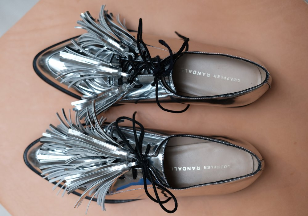 Jasper Tassel Oxford in Silver.