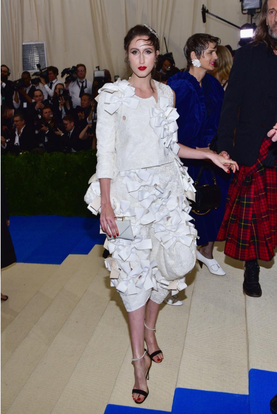 Anna Cleveland wears Comme des Garçons.