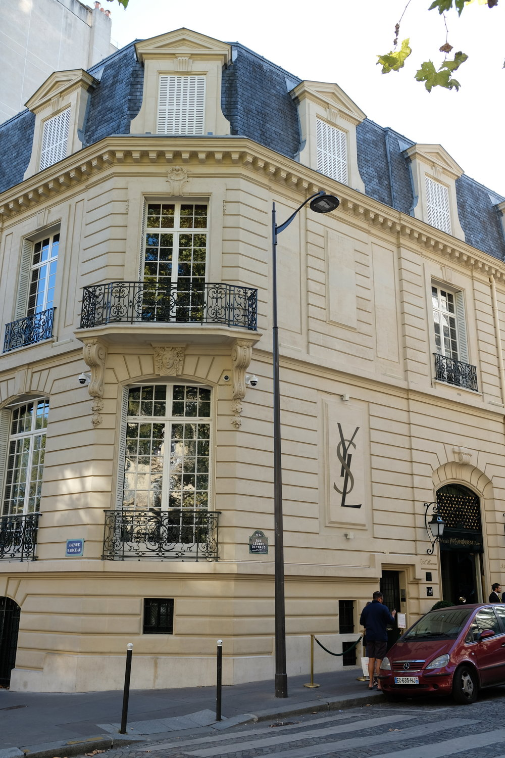The original YSL haute couture house, now home to the YSL Musee, located at 5 avenue Marceau.