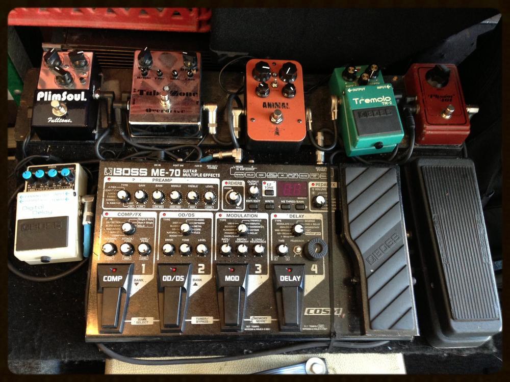 BOSS ME-80 Guitar Pedal - Complete Demo (pt1)