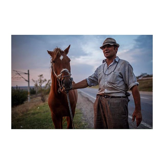Man and his Horse. elderly and onions aplenty in western Romania. 👴🏼 #35mm #street #rightplace #righttime #horse #caballo #cheval #affectedbytime