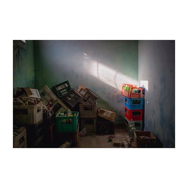 A still life, dusted. #35mm #abandoned #empties #rayoflight