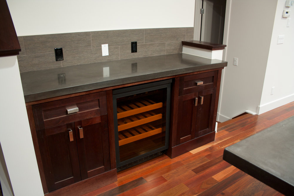 medium dark maple kitchen 4.jpg