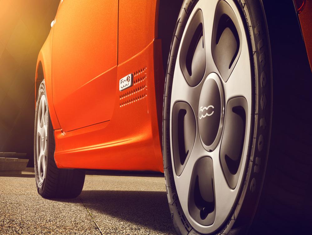 500E_Orange_Side_Sills_Detail_34_Rear_031_FINAL_R3.jpg